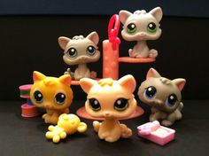 Littlest Pet Shop 's 1691 198 88 47 66 Playful Kittens w Accessories Lps Baby, Birthday Wishes, Birthday Gifts, Lps Accessories, Lps Toys, Little Pet Shop Toys, Role Play, Shopkins, Little People