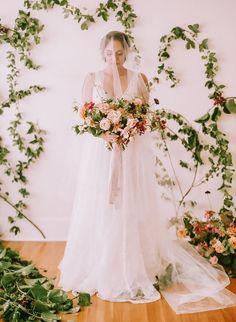 Tendance Robe du mariée 2017/2018  A stunning wedding dress with matching veil for the romantic and boho bride.