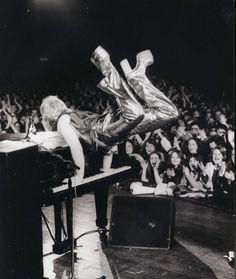 Annie Leibovitz rock and roll Photoshoots - elton john
