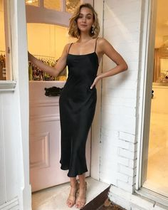 Black Prom Dress - - Black Prom Dress Kleidung Simple Sheath Square Neck Spaghetti Straps Backless Black Silk Ankle Length Prom Party Dresses Cheap Under 100 Slip Dress Outfit, Black Slip Dress, Dress Outfits, Fashion Dresses, Simple Black Dress, Black Midi Dress, Black Maxi, Dress Girl, Girl Outfits