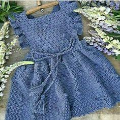 crochet dress outfits Hayatta olan annelere salk shhat ebediyete uurladmz anneleri rahmet ve minnetle anyoruz. Baby Girl Crochet, Crochet Baby Clothes, Crochet For Kids, Crochet Dress Girl, Crochet Dress Outfits, Crochet Summer Dresses, Baby Dress Design, Baby Sweaters, Baby Patterns