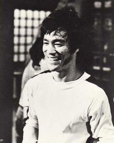 Bruce looking tired but happy and satisfied on The game of death