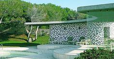 Oscar Niemeyer's Villa Mondadori 1974 with mural by Athos Bulcão
