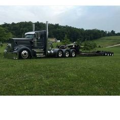 truckingworldwide2:Kenworth custom W900L heavy haul with matchin...