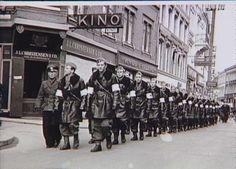 Bernadotte-aktionen. Svensk Røde Kors personel i Odense i april 1945 Tidsperiode og årstal Datering: apr-45 - See more at: http://samlinger.natmus.dk/FHM/20286#sthash.AOyLepx2.dpuf