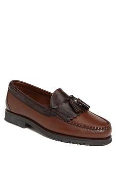 Men's Allen Edmonds 'Nashua' Tassel Loafer, Size 7 E - Brown Gucci Loafers Women, Loafers Men, Loafers Outfit, Tassel Loafers, Bass Shoes, Moccasins Mens, Expensive Shoes, Allen Edmonds, Mens Fashion Shoes