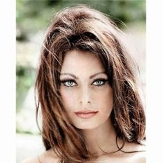 Vintage portrait of Sophia Loren. Beautiful Celebrities, Beautiful Actresses, Most Beautiful Women, Beautiful People, Gorgeous Lady, Beautiful Eyes, Pelo Vintage, Tv Movie, Movies