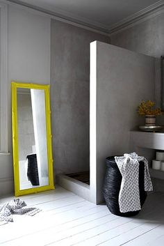 After the main function has been done, bathroom interior design is the second variable that should be considered seriously, because the bathroom design you choose will affect your mood everyday. Bad Inspiration, Bathroom Inspiration, Interior Inspiration, Concrete Shower, Concrete Bathroom, Bathroom Interior, Modern Bathroom, Bathroom Grey, Small Bathroom