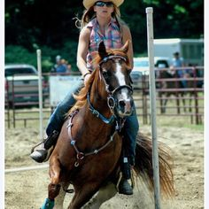 My favorite sport♥ Pole Bending, Cowboys And Indians, Barrel Racing, Cowboy And Cowgirl, Horse Training, Country Outfits, Life Is Like, Cowgirls, Wild West