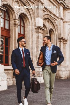 The leather laptop bags george and jules are perfect for taking to the office. All your essentials fit inside. Leather Laptop Bag, Laptop Bags, Briefcases, Essentials, Fitness, Men, Tops, Fashion, Leather Laptop Messenger Bag