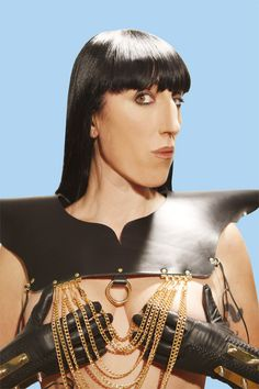 Rossy de Palma, famous Spanish model and actress by Assad Awad. Dj Mix Music, Pretty People, Beautiful People, Real People, Actresses With Black Hair, Garcia Alix, Alberto Garcia, Actrices Sexy, Quirky Fashion