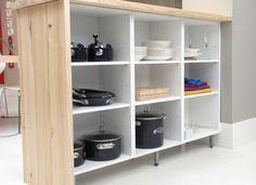 Living Room Kitchen, Diy Kitchen, Kitchen Decor, Kitchen Ideas, Wood Storage, Storage Shelves, Little Kitchen, Kitchen Cabinet Design, Beautiful Kitchens