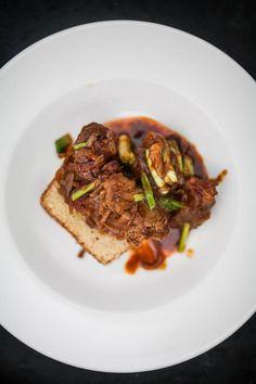 Duszona wieprzowina z wędzoną papryką na cieście drożdżowym (Solec 44)