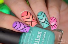 Neon scaled reciprocal pattern gradient nails... too many words by simplynailogical