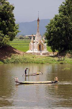 Burma gallery: Fishermen on Lake Inle Myanmar Travel, Burma Myanmar, Asia Travel, Bay Of Bengal, Inle Lake, Bagan, Mandalay, Borneo, Photos Du