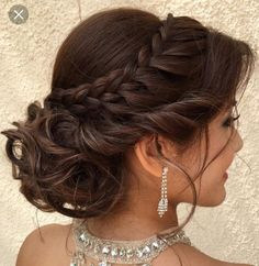 Makeup & Hair Ideas: 45 Gorgeous Quinceanera Hairstyles — Best Styles for Your Celebration!… hochzeitsfrisuren photo 2019 Makeup & Hair Ideas: 45 Gorgeous Quinceanera Hairstyles Best Styles for Your Celebration! Quince Hairstyles, Sweet Hairstyles, African Hairstyles, Celebrity Hairstyles, Braided Hairstyles, Layered Hairstyles, Homecoming Hairstyles, Hairstyles 2018, Braided Updo