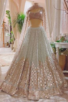 Party Wear Indian Dresses, Indian Bridal Outfits, Indian Bridal Fashion, Dress Indian Style, Indian Fashion Dresses, Indian Designer Outfits, Designer Dresses, Indian Wear, Indian Reception Outfit