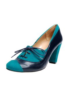 Navy and blue-green laced round-toe oxfords. For a prim, preppy feel, wear these with a pleated above-the-knee skirt.