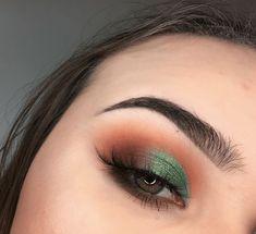 41 Looks: Makeup for St Patricks Day > CherryCherryBeauty.com [roxana_sadowska / Instagram]