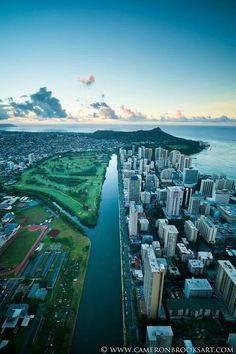 Canal through Honolulu Mahalo Hawaii, Hawaii Hula, Oahu Hawaii, Hawaii Travel, Travel Usa, Hawaii Things To Do, Honolulu Hi, Hawaii Life, Hawaiian Islands