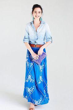カジュアルだけど女性らしい「デニム×マキシ丈スカート」のシンプルコーデ - NAVER まとめ 洗練された小物使いが上級コーデ。