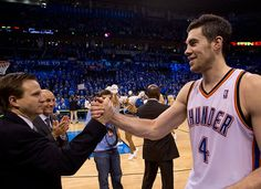 Awww...I love this pciture!  Coach Scott Brooks & Nick Collison Second Look Gallery Game 5   THE OFFICIAL SITE OF THE OKLAHOMA CITY THUNDER