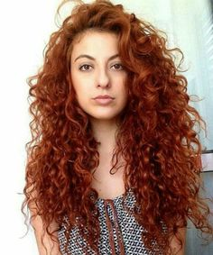 20 Of The Most Eye Catching Long Curly Hairstyles to Get A Trendy Look