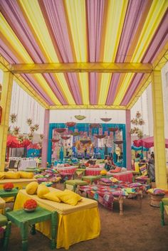 Mehendi Wedding Decor - 5 Ideas to Steal from this Uber-Fun Jaipur Wedding with a Royal Touch! Indian Wedding Ceremony, Wedding Mandap, Big Fat Indian Wedding, Desi Wedding, Wedding Stage, Wedding Dresses, Wedding Events, Indian Wedding Receptions, Mehndi Ceremony