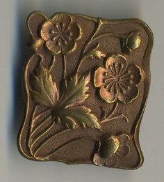 Nice Art Nouveau Design Vintage Brass Button Floral Botanical