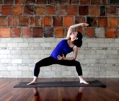 hip and back stretches for mommies-to-be