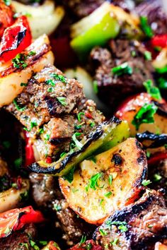 Brazilian Steak Kabobs with Potatoes, Onions and Peppers- Oh my goodness, these were just as good as any Brazilian Steakhouse! So crazy juicy, exploding with flavor and super easy! Kabob Recipes, Grilling Recipes, Beef Recipes, Cooking Recipes, Quick Recipes, Best Grilled Steak, Grilled Meat, Steak Tips, How To Grill Steak