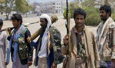 الحوثييون يعِدُّون قائمة بشخصيات عسكرية وسياسية موالية لصالح ينوون اعتقالها: أكدت وسائل إعلام يمنية، اليوم الخميس، أن ميليشيات الحوثي أعدت…