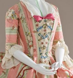 Rate the Dress: a 1770s belle in lacy bells?