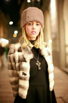 mink_coat_mink_hat_lady_fur_we_love_fur