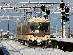 地鉄好き @chitetsu_zuki     3月の雪。
