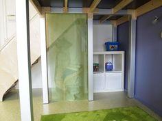 Een lees/verstophoekje onder de trap van de speelwerkverdieping!