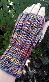 Ravelry: Wribbed Wristers pattern by Joan Janes