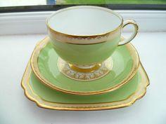 Lovely Vintage Grosvenor China Trio Tea cup Saucer Plate Ye Olde English 7457 | eBay