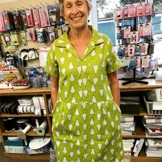 Factory dress in lime green linen cotton with pears!