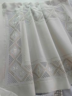 Imagini pentru white on white norwegian embroidery Types Of Embroidery, Learn Embroidery, Embroidery Patterns, Hand Embroidery, Drawn Thread, Thread Work, Hardanger Embroidery, Linens And Lace, Satin Stitch