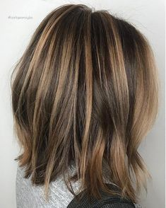 Long Wavy Ash-Brown Balayage - 20 Light Brown Hair Color Ideas for Your New Look - The Trending Hairstyle Brown Hair Balayage, Hair Highlights, Balayage On Short Hair, Highlights For Brunettes, Medium Brown Hair With Highlights, Caramel Balayage Highlights, Natural Highlights, Blonde Balayage, Medium Hair Styles
