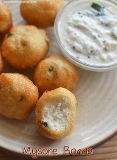 Mysore Bonda Recipe Fruit Recipes, Snack Recipes, Cooking Recipes, Indian Snacks, Indian Food Recipes, Bread Roll Recipe Indian, South Indian Breakfast Recipes, Pakora Recipes, Kitchens