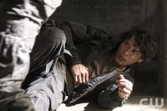 """The 100 -- """"Terms and Conditions"""" -- ImageHU308a_0185 -- Pictured: Bob Morley as Bellamy -- Credit: Katie Yu/The CW -- © 2016 The CW Network, LLC. All Rights Reserved"""