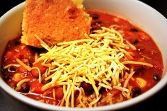 When the leaves turn colors and begin to fall, who doesn't love a great #chili to warm us up?  This is just the Best Vegetarian Chili EVER! #vegetarian