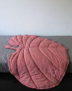 Leaf Blanket – Rosa