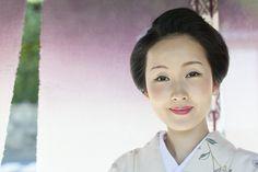 Kyoka-san a modern day geisha is exquisite without makeup