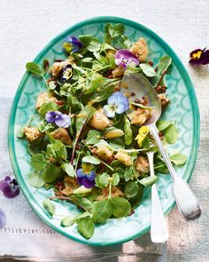 Baby leaf salad with bacon and tarragon croutons recipe Crouton Recipes, Delicious Magazine, Picnic Foods, How To Make Salad, Summer Salads, Recipe Collection, Food For Thought, Salad Recipes, Bacon