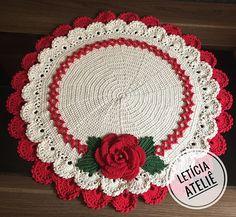 Crochet Tablecloth Pattern, Free Crochet Doily Patterns, Crochet Mat, Crochet Towel, Christmas Crochet Patterns, Holiday Crochet, Crochet Dishcloths, Crochet Designs, Crochet Doilies