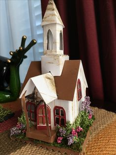 Christmas Village Houses, Putz Houses, Christmas Villages, Fairy Houses, Cardboard Houses, Paper Houses, Mini Houses, Miniature Houses, Diy Projects To Try