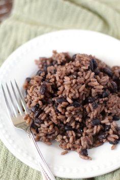 Congri | Moros & Cristianos (black beans & rice)